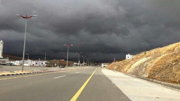 رياح شديدة وأمطار رعدية على 6 مناطق تشمل مكة والمدينة