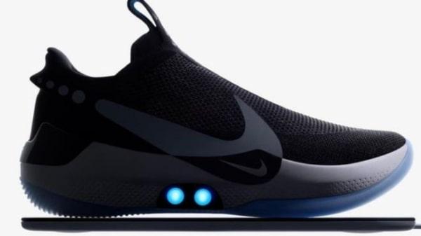 شركة نايكي Nike تطلق حذاء ذكيا يمكنه تعديل نفسه ليناسب حجم القدم من خلال الهواتف الذكية